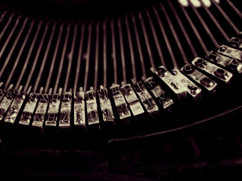 typewriter-1245894_960_720.jpg